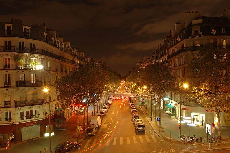 rue prise depuis la coulŽe verte<br /> <br /> nuit blanche 2005