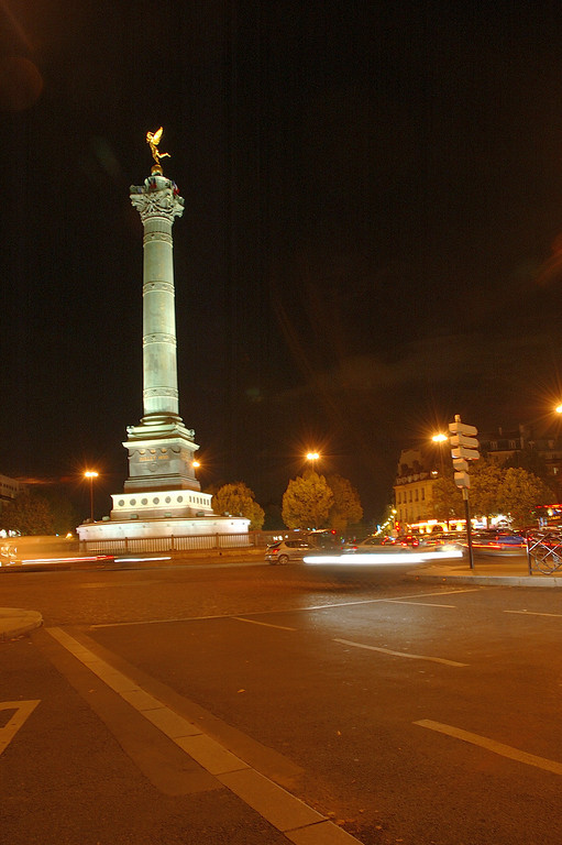 place de la bastille<br /> <br /> nuit blanche 2005