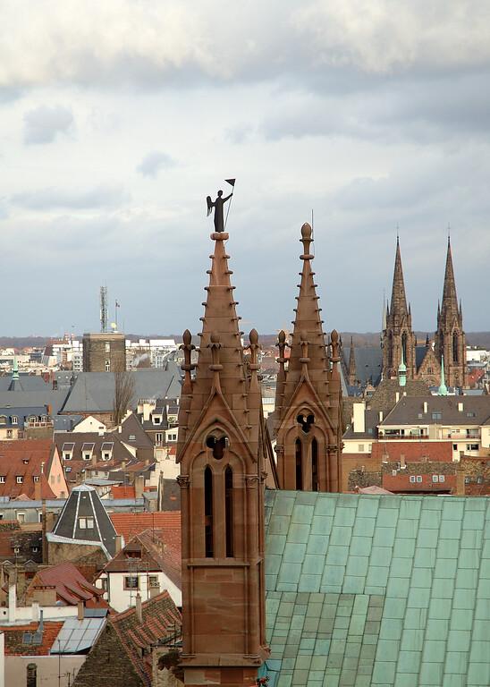 La cathŽdrale, vue depuis les escaliers de la cathŽdrale.
