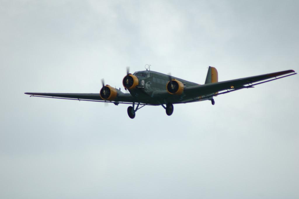 Un avion allement (Junker)  tri-moteur