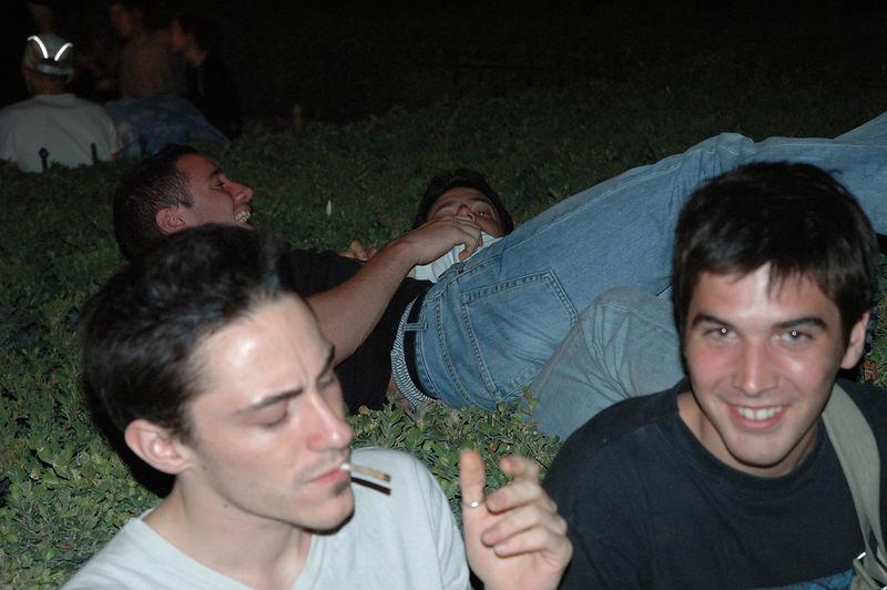 Bande de jeunes (Parvis de Notre Dame)