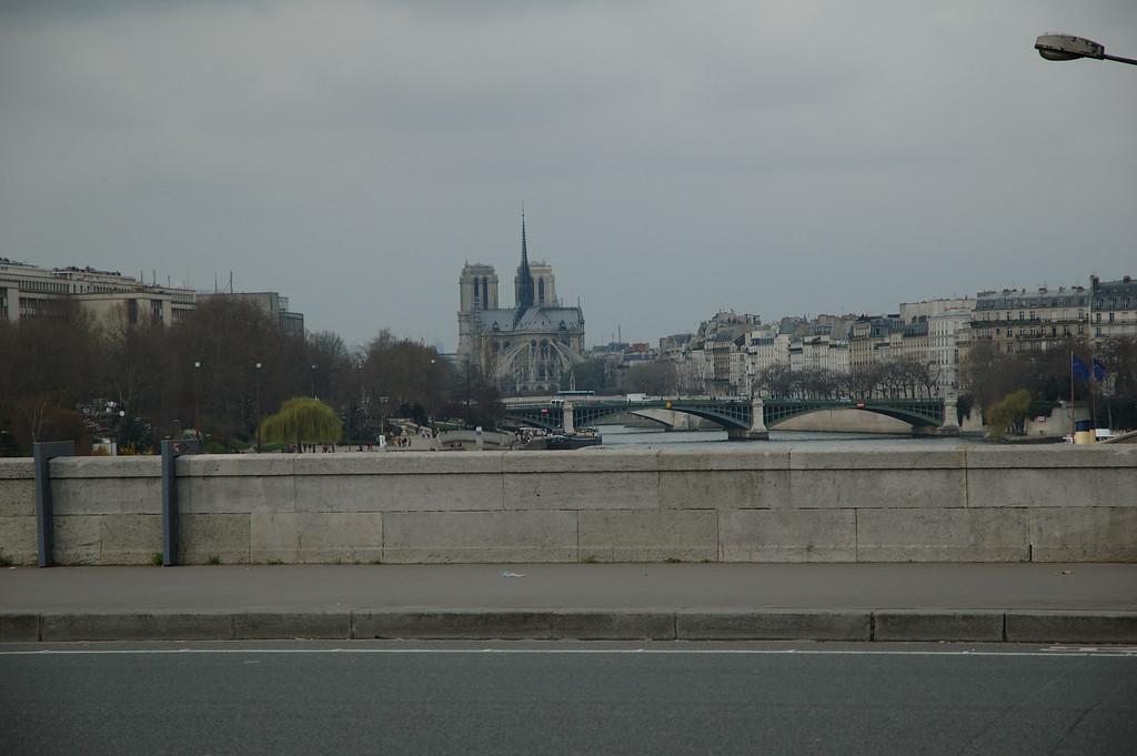 Notre Damme de Paris <br /> Peut tre depuis le pont Franois Miterrand
