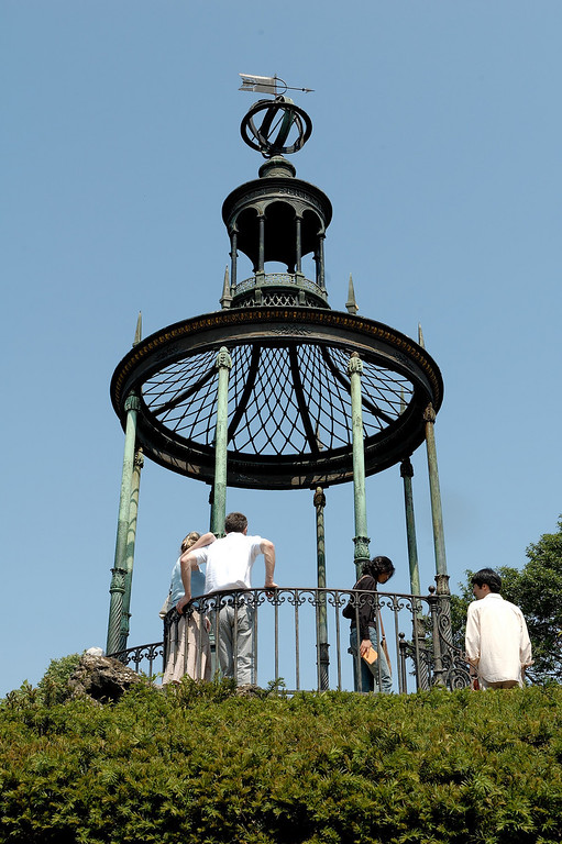 "This kiosk is probably one of the oldest construction made of bronze. It was built around 1786, almost 60 years before <a href=""http://en.wikipedia.org/wiki/Victor_Baltard"">Victor Baltar's</a> realisations."
