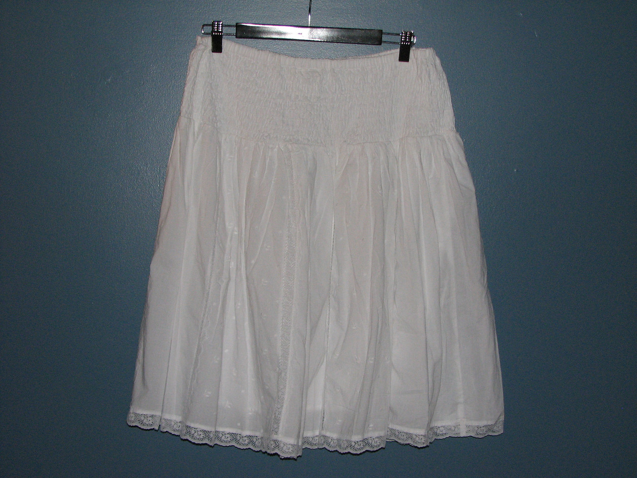 Motherhood eyelet lace skirt size M $10