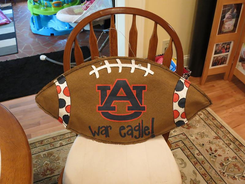 Auburn burlap door hanger - 1 for me and 1 for Jules