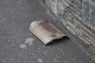 Busted exhaust by the look of it, retrieved from the carriageway at Westway Arbroath by yours truly