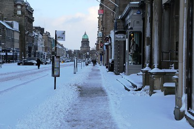 George Street - footways nicely cleared.