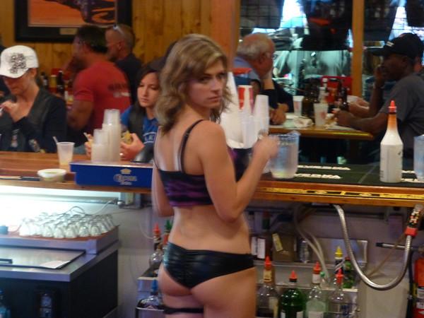 Barmaid 01