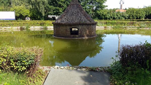 Duck house.