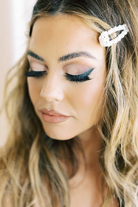 SMOKEY EYE - BRIDAL LOOK - Natural wavy curls for long dark hair with large pearl clips for an 80's look - smokey eyeshadow with winged eyeliner for wedding or everyday  - Ruby Finch - Las Vegas hair and makeup artists - Kristen Kay Photography - Las Vegas Wedding Photographer - #smokey #eyeshadow #liner #makeup #dramatic