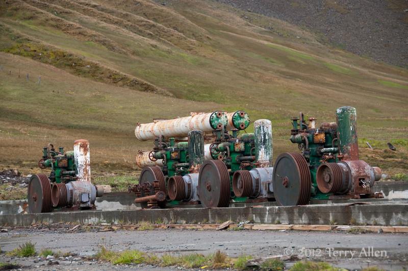 Old-machinery,-Grytviken,-South-Georgia-Island