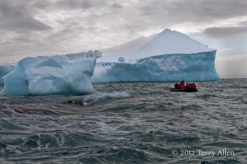 Iceberg-&-zodiac-1,-Elephant-Island,-South-Shetland-Islands