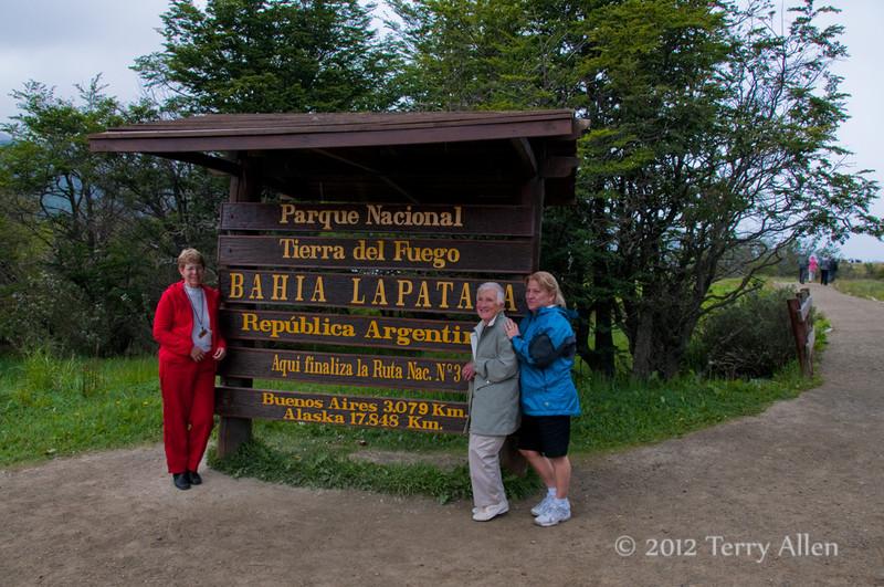 Tierra-de-Fuego-National-Park,-end-of-road-sign