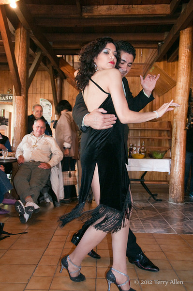 Tango-dancer1,-Ushuaia