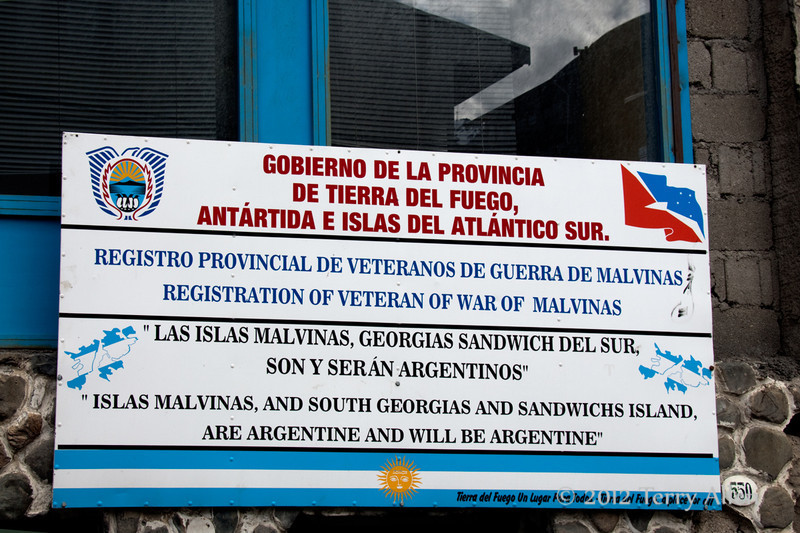 Ushuaia-Isla-Malvinas-sign
