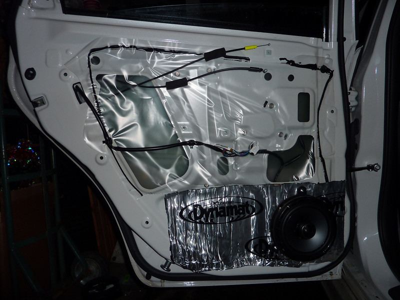 "Aftermarket speaker and speaker adapter ring assembly from   <a href=""http://www.car-speaker-adapters.com/items.php?id=SAK032""> Car-Speaker-Adapters.com</a>   installed"