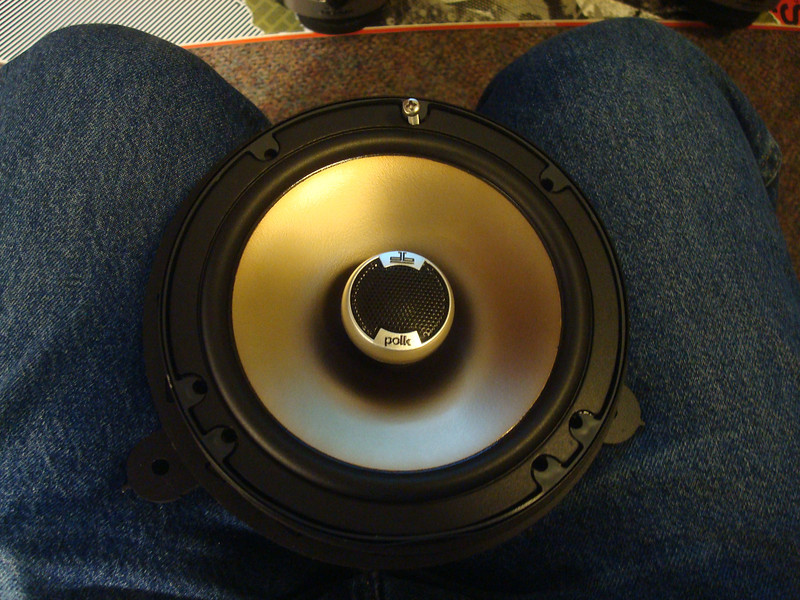 "Aftermarket speaker mounted to speaker adapter from  <a href=""http://www.car-speaker-adapters.com/items.php?id=SAK032""> Car-Speaker-Adapters.com</a>"
