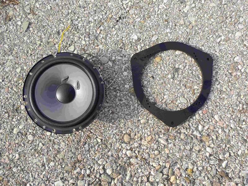 """Comparison: <br> Left: Aftermarket speaker <br> Right: Speaker adapter ring  from  <a href=""""http://www.car-speaker-adapters.com/items.php?id=SAK022""""> Car-Speaker-Adapters.com</a>"""