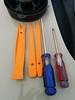 Installation tools:<br /> Left: Plastic pry bar set<br /> Right: Screwdrivers