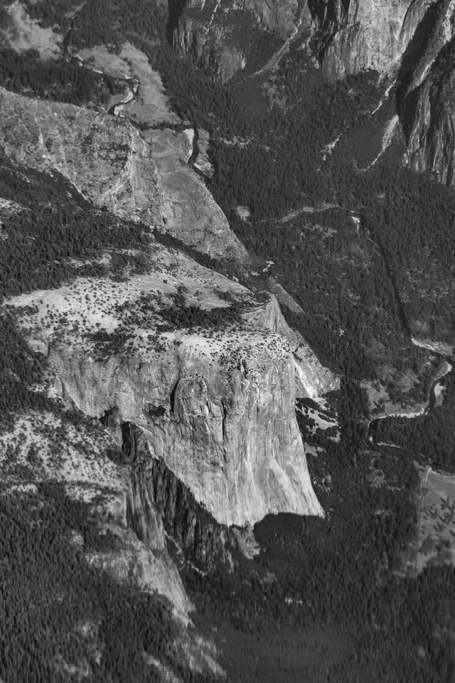 Aerial view of Yosemite Valley and Yosemite National Park in California