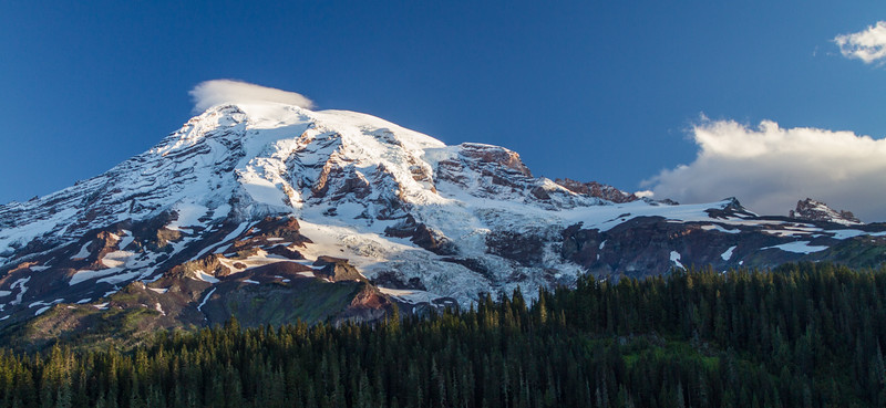 View of Mount Rainier and glaciers - Mount Rainier National Park - Washington - USA
