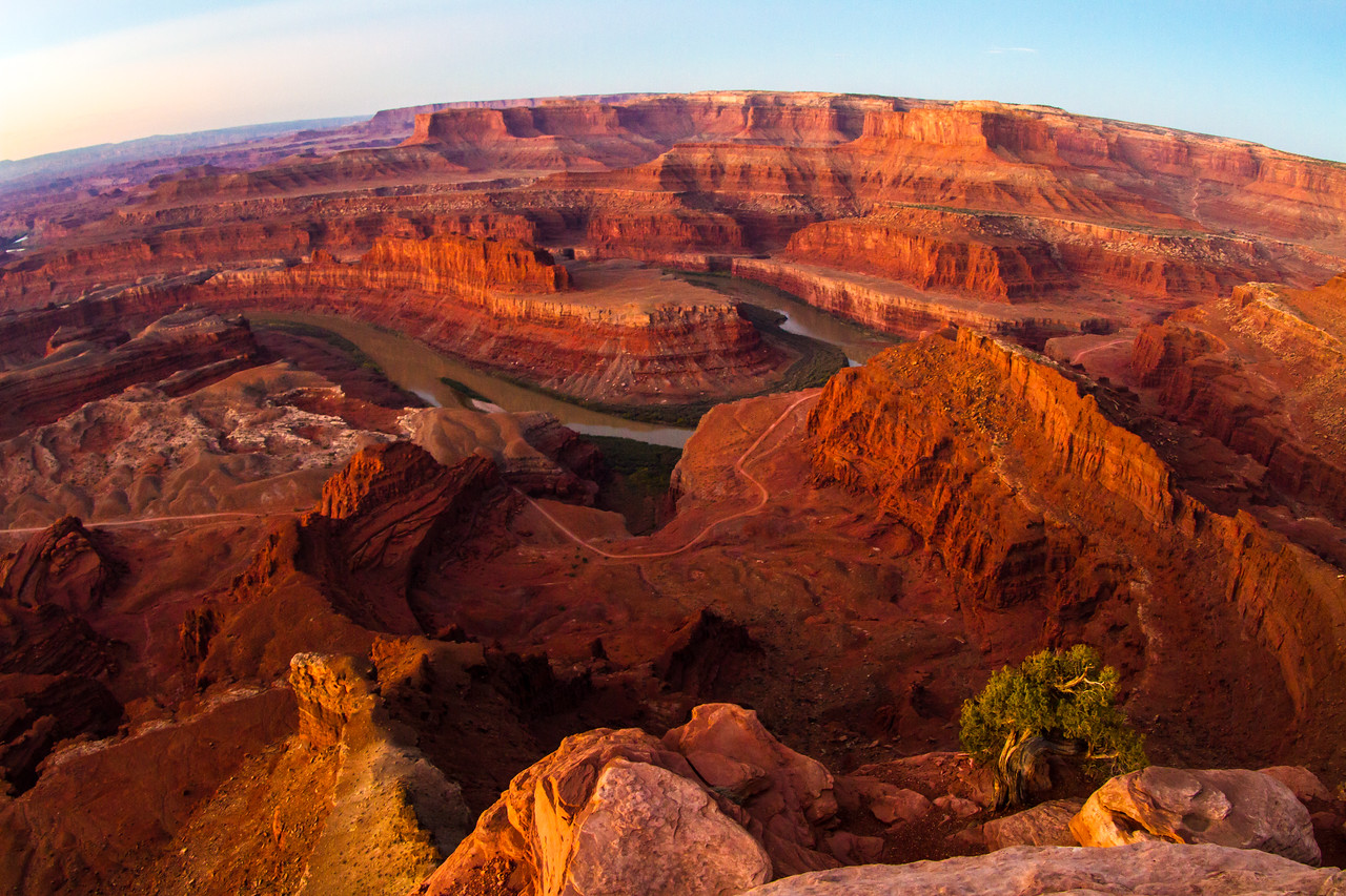 The Edge Of Canyonlands National Park, Dead Horse Point State Park, Utah, USA