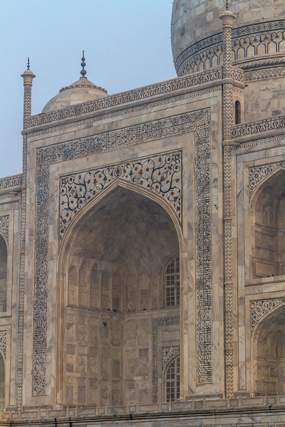 Side view of entry arches for the Taj Mahal, Agra, India, Asia