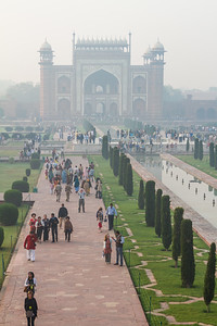 View of Great Gate with walkway - India - Uttar Pradesh - Agra