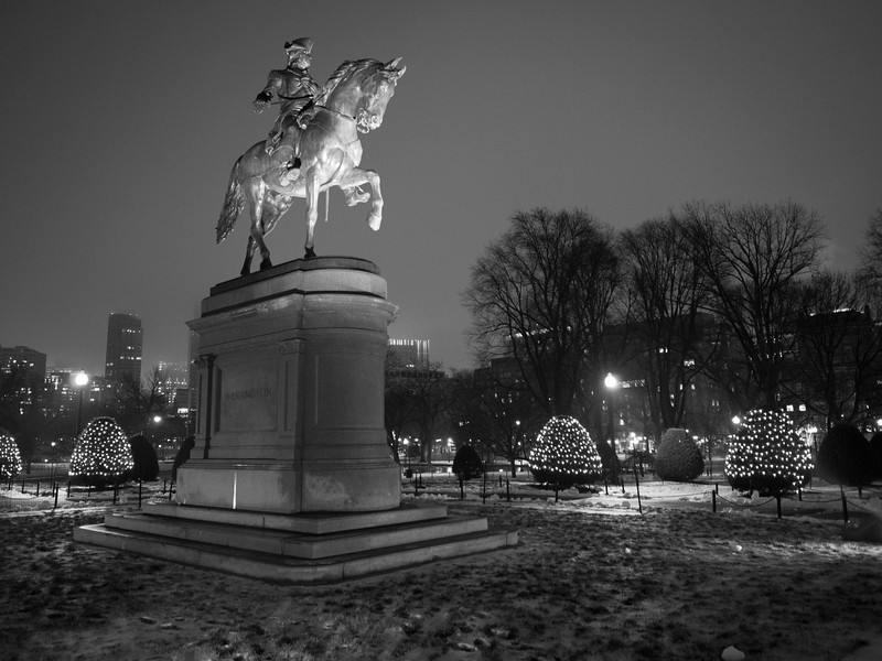 Boston Public Gardans at Night