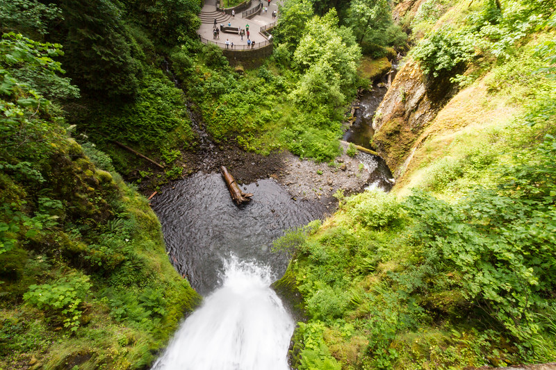 Elevated view of Multnomah waterfall from bridge - USA - Oregon