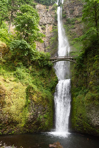 View of Multnomah Falls - USA - Oregon