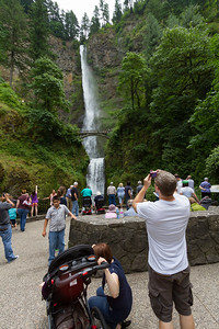 Tourist standing at Multnomah Falls - Oregon - USA