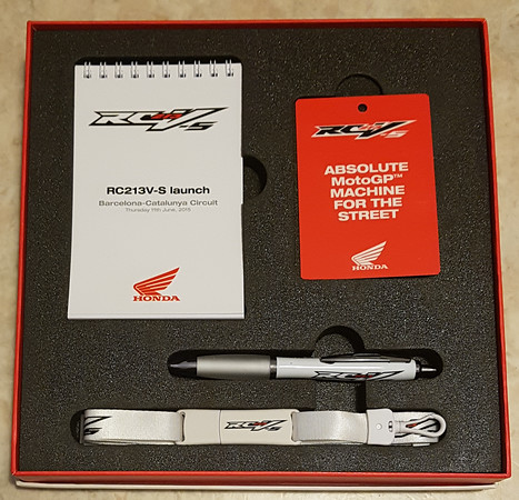Honda RC213V-S press pack contents