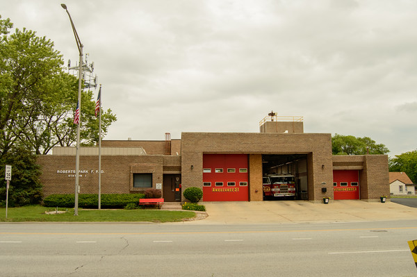 8611 S Roberts Road, Justice, Illinois