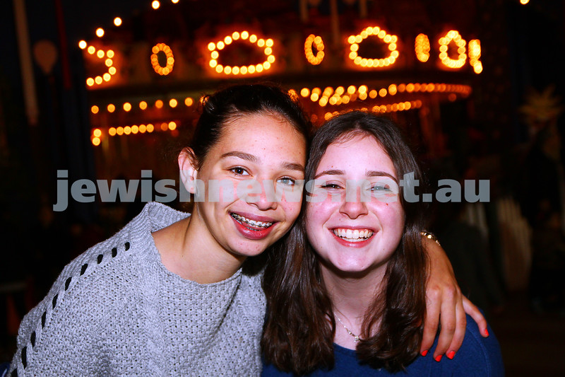 30-9-15. Chabad Youth annual Succot at Luna Park. Adina Tilson (left), Alisa Werdiger. Photo: Peter Haskin