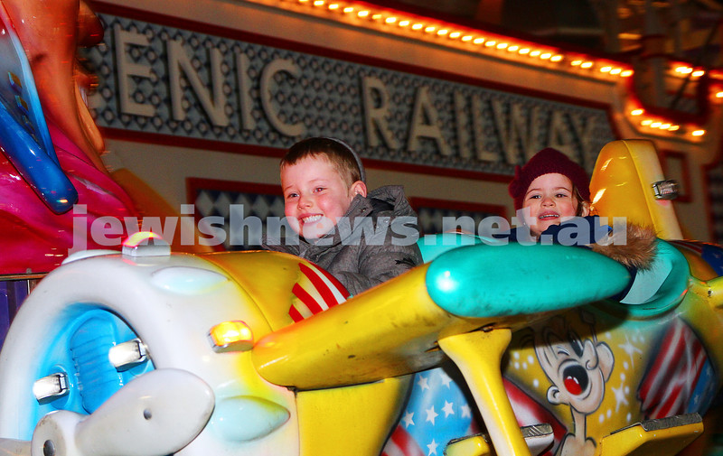 30-9-15. Chabad Youth annual Succot at Luna Park. Noach and Chaya Esther Herbst. Photo: Peter Haskin