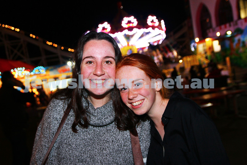 30-9-15. Chabad Youth annual Succot at Luna Park. Rochi Joseph (left), Goldie Gradman. Photo: Peter Haskin