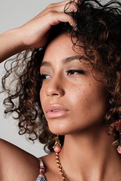 @selena_cindy<br /> makeup artist @goreglitter