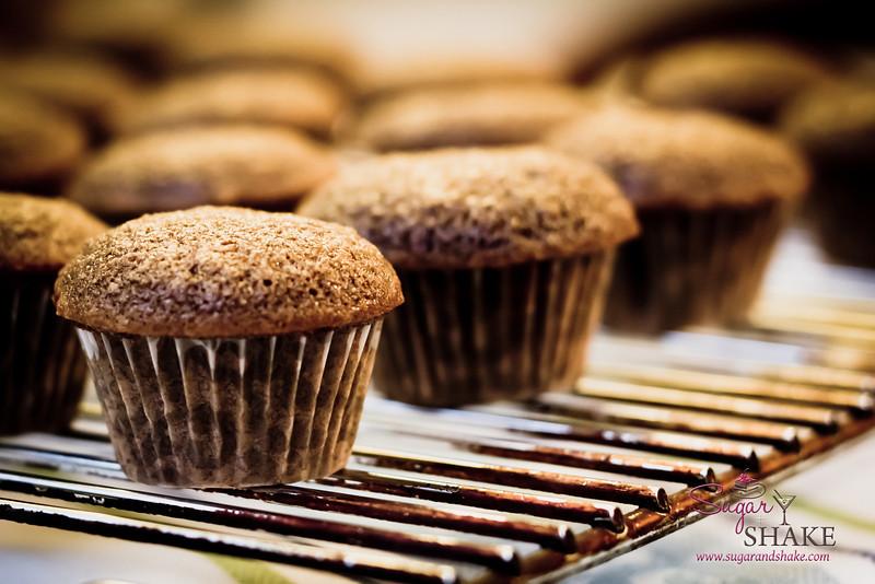 A sea of mini cupcakes. © 2012 Sugar + Shake