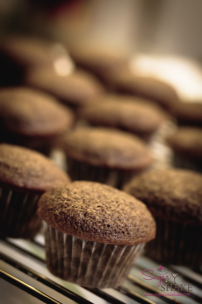 Turning a bundt cake into mini cupcakes makes a LOT of mini cupcakes. © 2012 Sugar + Shake