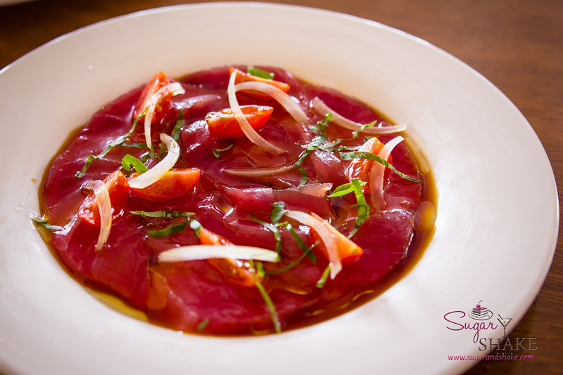 'Ahi Crudo at Full Moon Café in Hilo — Grape tomatoes, sweet onions, Italian basil, soy citronette. © 2014 Sugar + Shake