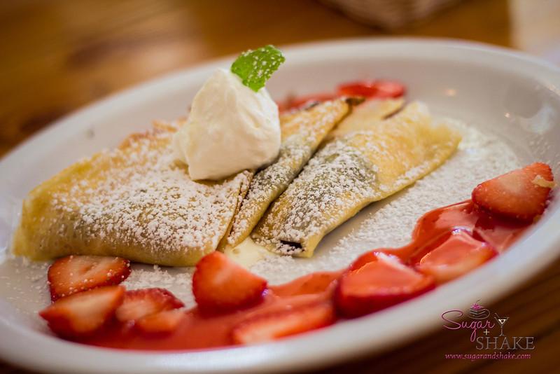 Strawberry & Chocolate crepe at Cream Pot Cafe in Waikiki. © 2013 Sugar + Shake