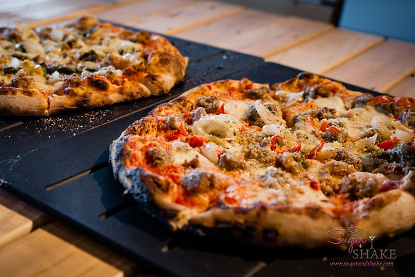 While on Maui for the Kā'anapali Fresh weekend, we tried pizza at the fairly new Pi Artisan Pizza. © 2014 Sugar + Shake