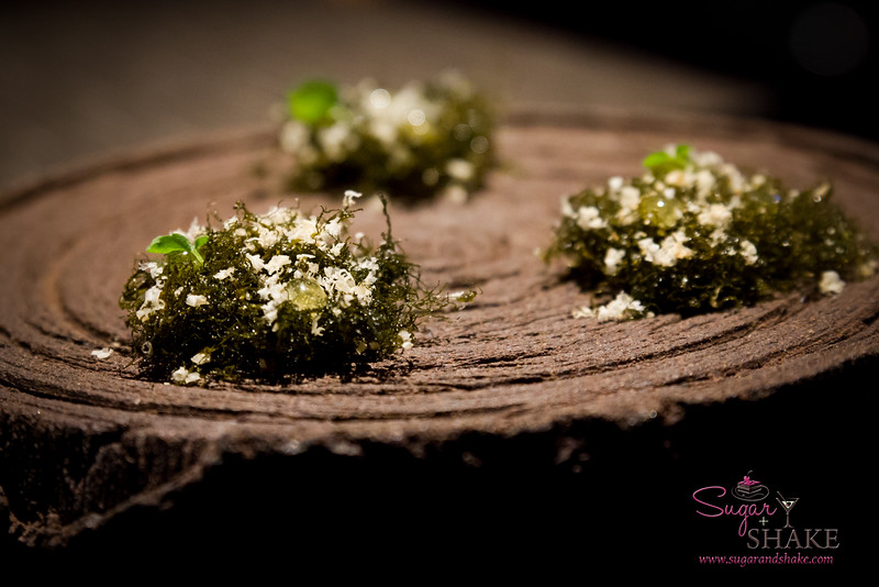 Vintage Cave. Amuse bouche: Seaweed with lilikoi bubbles and hazelnut dust. © 2014 Sugar + Shake