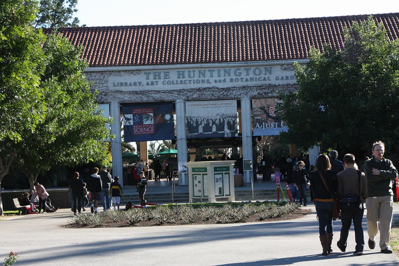 Entrance to the Huntington Gardens.  The suiseki exhibit is in this building.