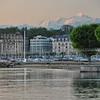 Au-dessus de Genève, le Mont Blanc