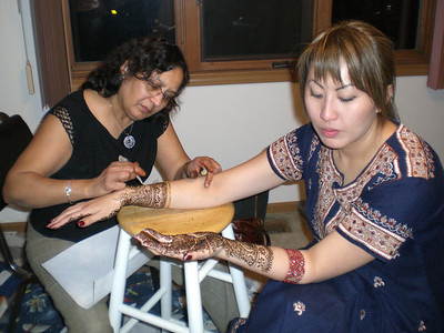 More mehndi for Bhabhi! (Thursday)