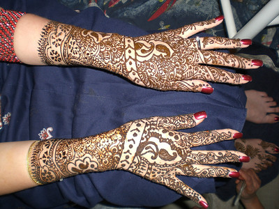 Bhabhi's hands look amazing