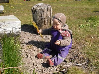 Linda Mjöll fékk skóflu að gjöf til að moka með og var hún vel nýtt í ferðinni.