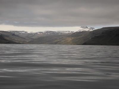 Bjarnarfjörður og glittir í Hrolleifsborg.